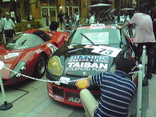 川崎にフェラーリ、GTカー