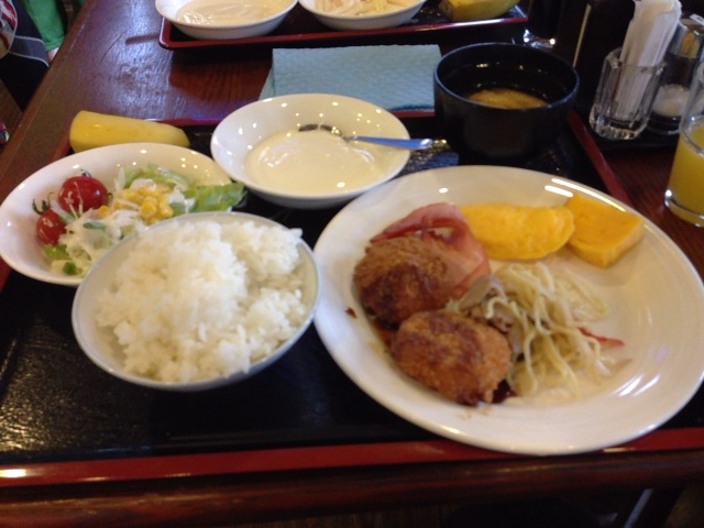 STY 2014 ホテル朝食バイキング 201404260647_baiking